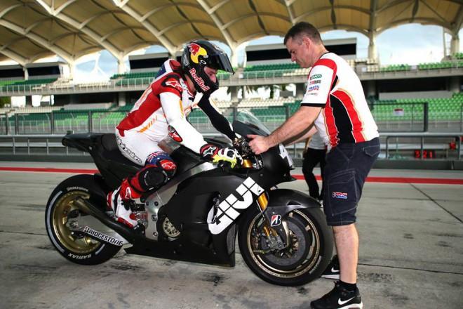Lin Jarvis sleduje po��n�n� Jacka Millera v MotoGP