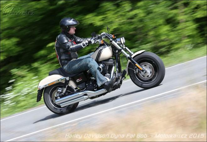 Harley Davidson Dyna Fat Bob: tlus�och, sil�k, pohod��