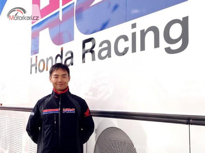 Aoyama u� vyzkou�el pneumatiky Michelin