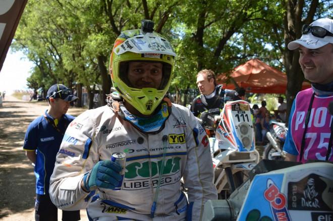 Engel je bez zlomenin, Dakar chce dokonèit