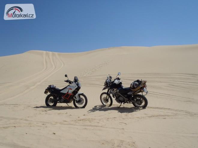 Ztraceni v poušti
