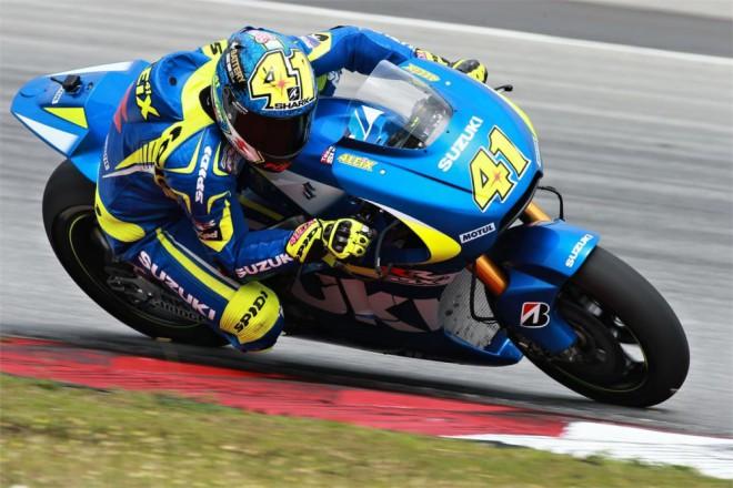 Oba jezdci Suzuki podávají výborné výkony