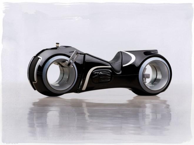 Motorka podle filmu Tron: Legacy je na prodej