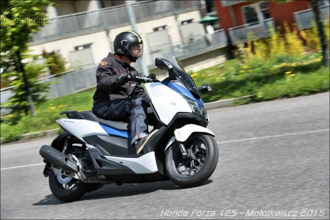 Honda Forza 125: maxiskútr bez kompromisu