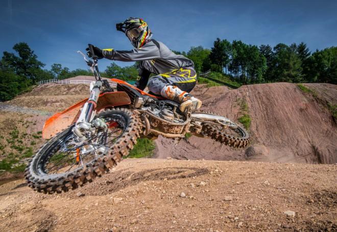 Testujeme nov� motokrosy KTM SX 2016