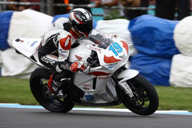 Dobøe rozjetý závod skonèil pro SMS Racing bez bodu