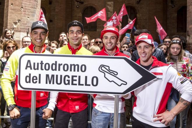 Ducati pøedstavila techniku na Piazza del Campo