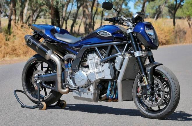 Australský osmiválec PGM V8