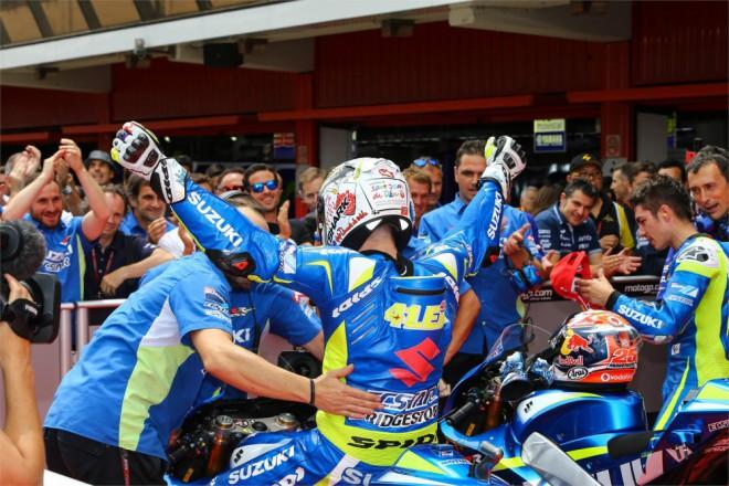 GP Katalánska – První dvì místa na startu slaví Suzuki