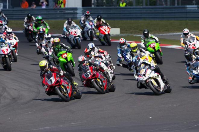 IDM: Na N�rburgringu vyhr�l oba z�vody Reiterberger
