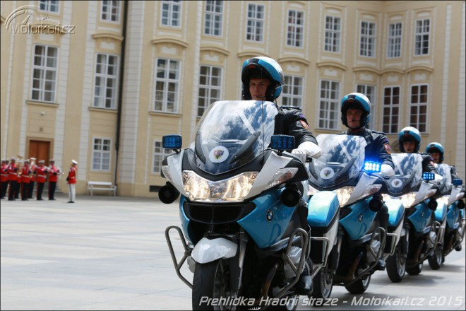 Moto-paráda na Pražském hradì