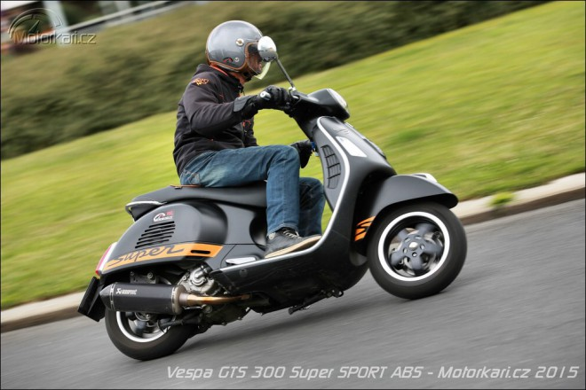 Vespa GTS 300 Super SPORT ABS: nejrychlejší Vespa