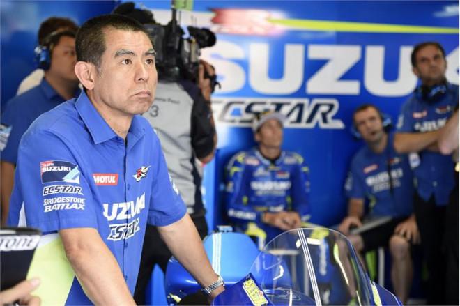 Pomalej�� Sachsenring cht�j� jezdci Suzuki dokonale vyu��t