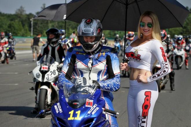 Èervencový Bikers Cup na Masarykovì okruhu v Brnì