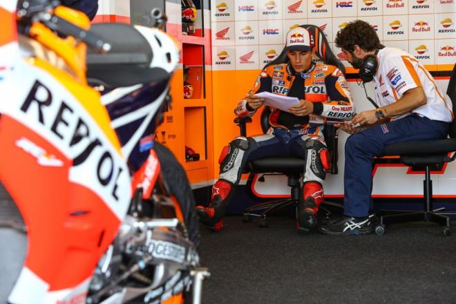 Márquez vyzkoušel spoleènì s Pedrosou novou RC213V