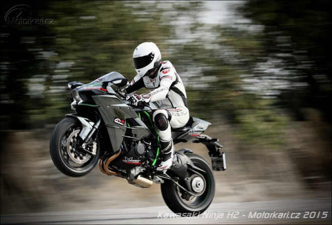 Test Kawasaki Ninja H2: homologovaný dragster