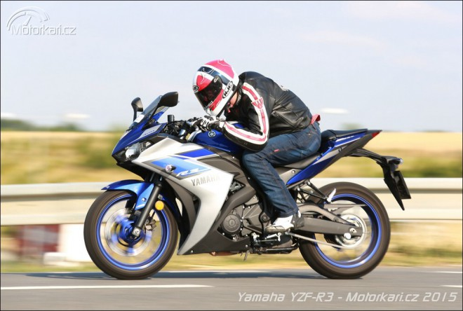Yamaha YZF-R3: navenek spor���ek, jinak pohodln� ces���ek