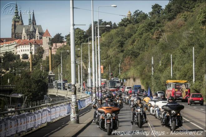 2. roèník Prague Harley Days:  Rekordní návštìvnost a více jak 1 500 harleyù na spanilé jízdì