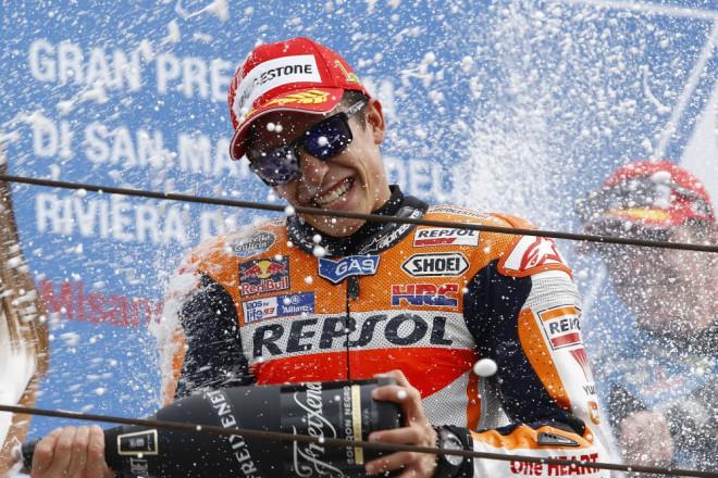 GP San Marina � Vyhr�l M�rquez, Rossi z�st�v� l�drem