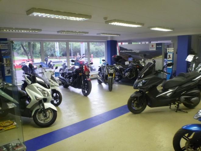 Podzimní výprodej Suzuki a Kymco v Motart Praha