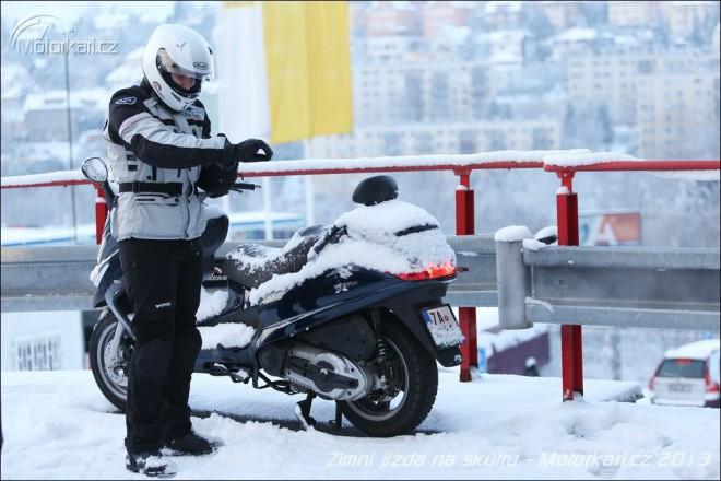 Urban Snow: celoroèní pneumatiky na skútry od iXS