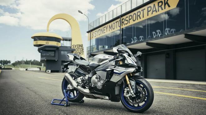 Yamaha vyrobí další sérii R1M pro rok 2016