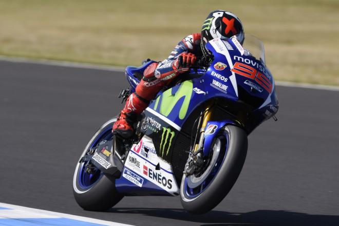 GP Japonska – Divokou kvalifikaci vyhrál Lorenzo, Rossi druhý