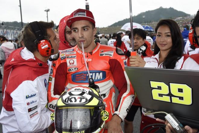Iannoneho zastavila porucha motoru, Márqueze už bude tìžké pøekonat