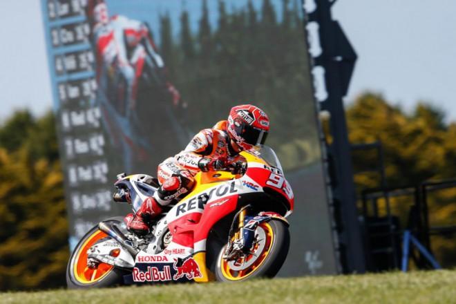 GP Austr�lie - Vyhr�l M�rquez, Rossi z�st�v� l�drem