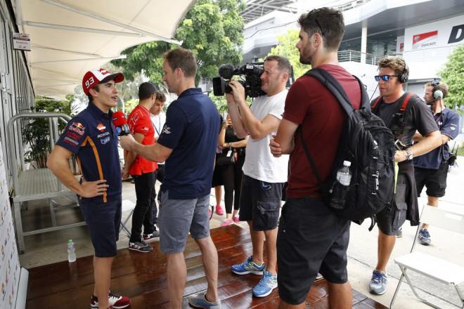 Když už podpoøit, tak týmového kolegu, tvrdí Márquez