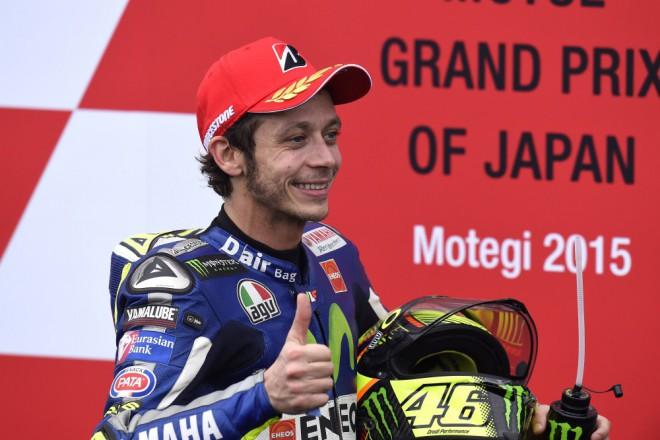 Mám smlouvu, pøíští rok závodit budu, potvrdil Rossi