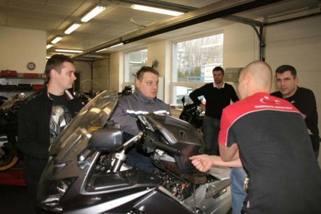 Kurz pro mechaniky motocykl�