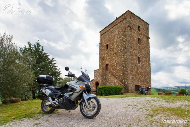 Nová kniha o motorkáøském cestování