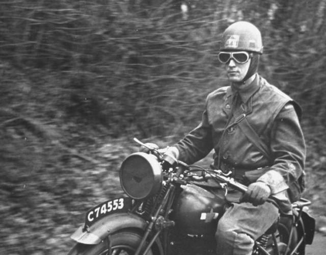 Motocyklové pøilby: Otázka života a smrti