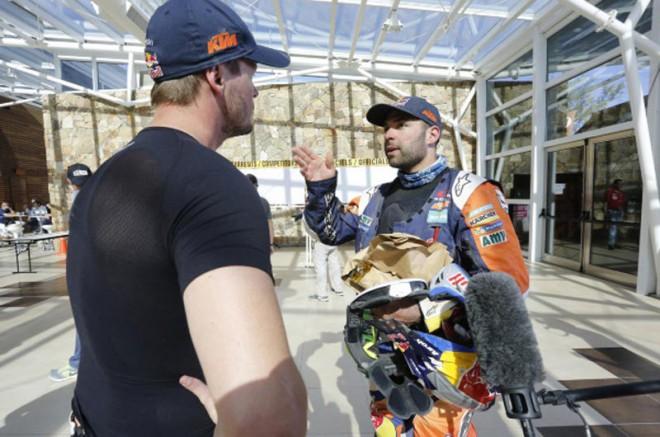 Osm� etapa Dakaru pro Price, Australan vede i celkov�