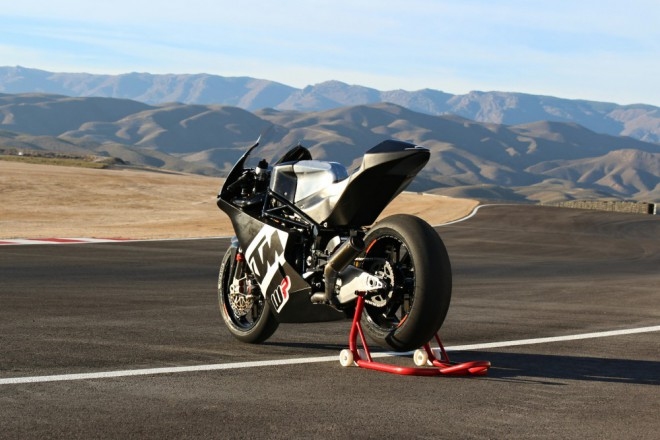 V Almerii testovali stroj tøídy Moto2 od WP & KTM