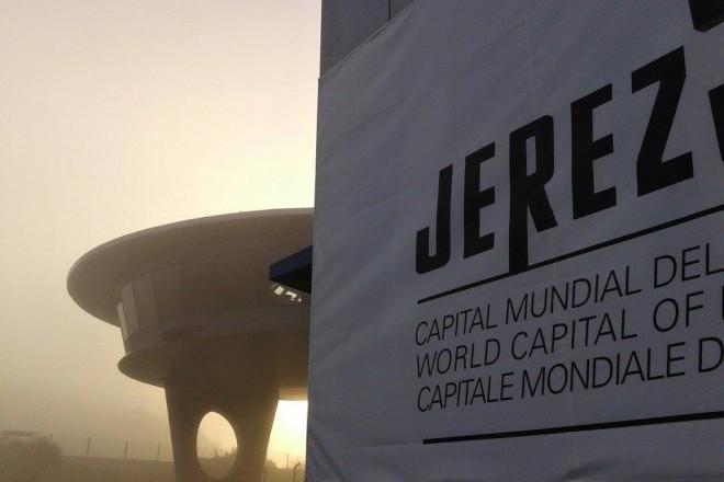 První den privátního testu v Jerezu zastavilo poèasí