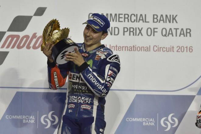 GP Kataru – Vyhrál Lorenzo, Dovizioso druhý, Márquez tøetí