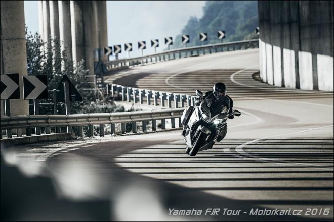FJR Tour 2016 - p�ij�te si vyzkou�et nov� modely