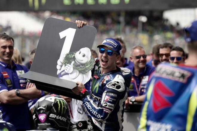 GP Francie – Vyhrál Lorenzo, Viòales slaví pódium