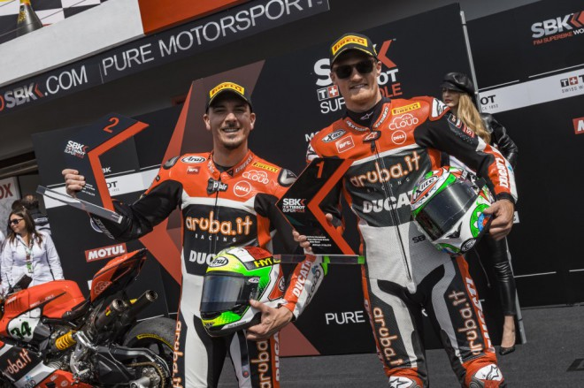 Jezdci Ducati jedou do Británie bojovat o pódium