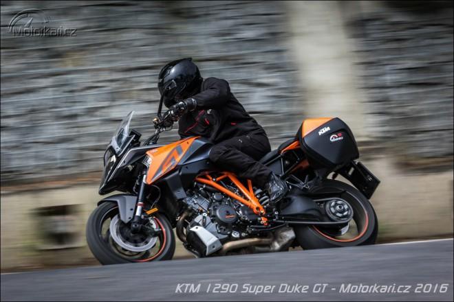 KTM 1290 Super Duke GT: Cestov�n� nebylo nikdy z�bavn�j��