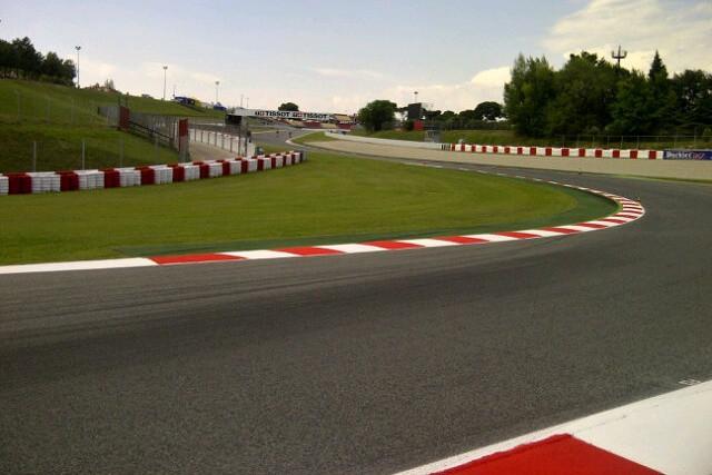 Zmìna konfigurace okruhu a prodloužení sobotních tréninkù