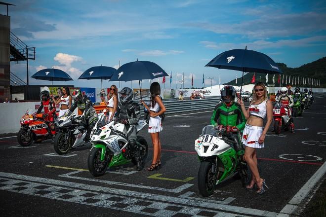 Èervencový Michelin Cup na mosteckém autodromu