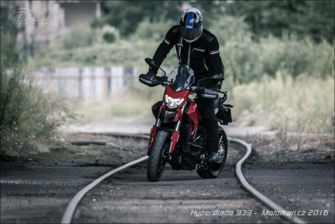 Ducati Hyperstrada 939: Poslední mohykán