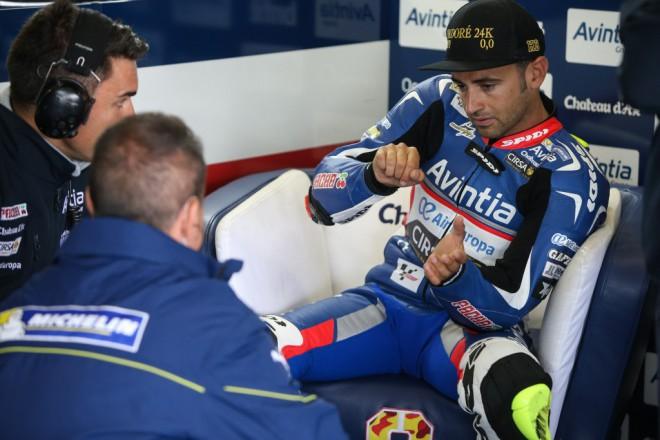 Barbera zat�m nejlep��m jezdcem Ducati, Baz tr�noval u Rossiho