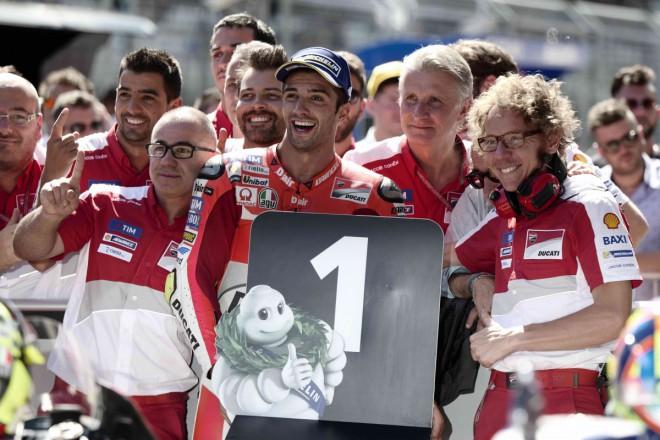 GP Rakouska � Kvalifika�n� bitvu vyhr�l Iannone, Rossi je druh�