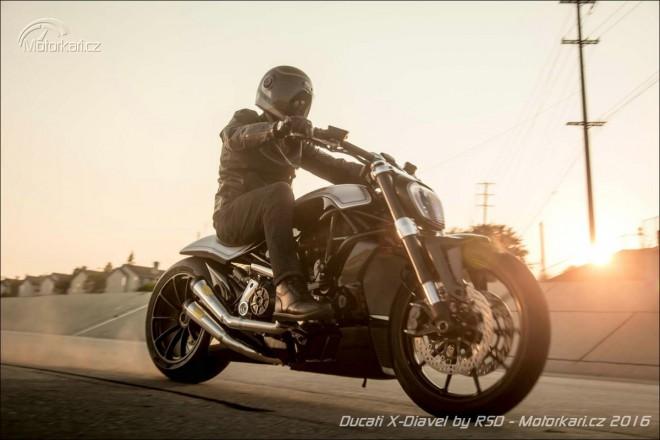 Ducati poprv� na srazu Sturgis. V �prav� Roland Sands Design