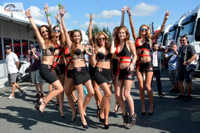 Podívejte se na víkendovou fotoreportáž Grand Prix v Brnì