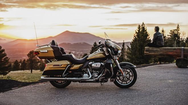 Harley-Davidson: Touringy 2017 s novým motorem i odpružením